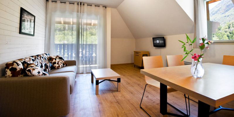 residence, chalets d'ax, vallees d'ax, ariege, pyrenees, ski